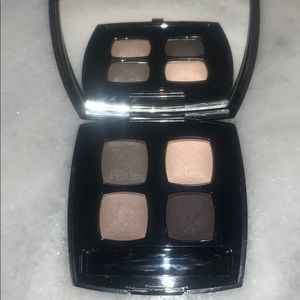CHANEL 33 PRELUDE Eye Quad. Excellent condition.